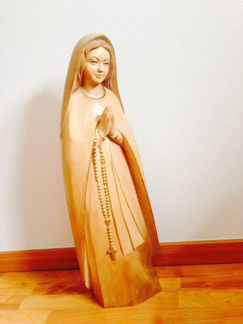 Statue de la Vierge du pelerin 1
