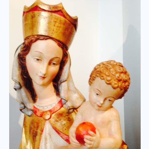 statue de la vierge à l'enfant 1