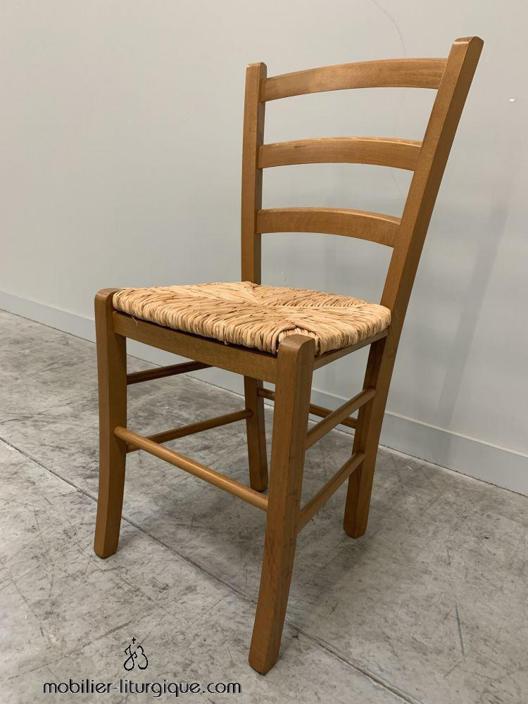 Chaise en hetre assise paille de riz  finition teinté chêne clair