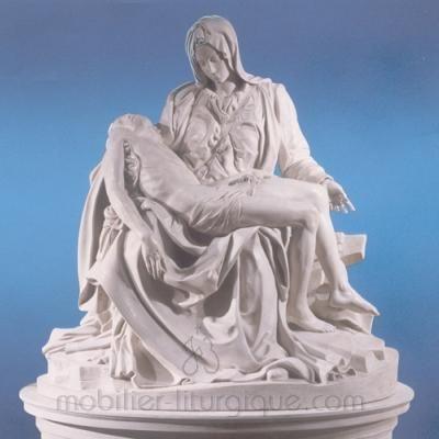 Statues religieuses de la Pietà