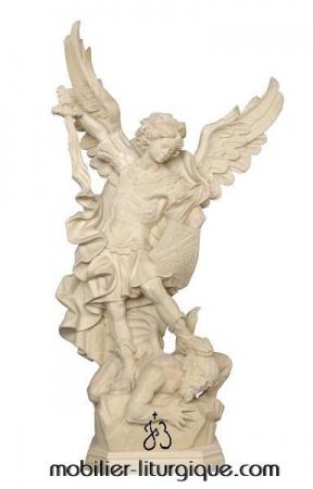 statue archange saint michel terrassant le démon bois naturel