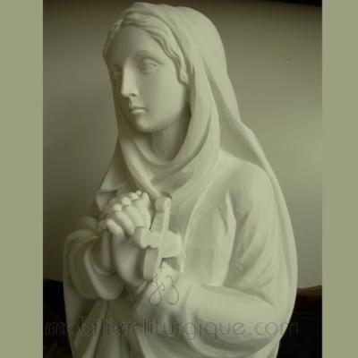 Statue de la Vierge adorant
