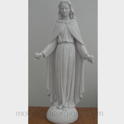 Statue de la Vierge aux roses